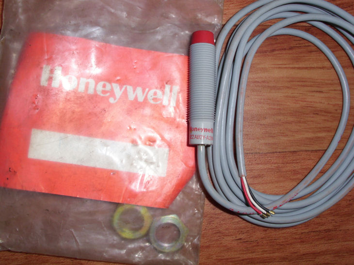 https://www.walagata.com/w/nightwalker/Honeywell.jpg